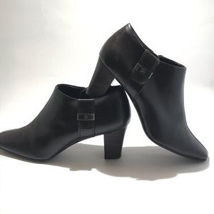 ANNE KLEIN ankle boots